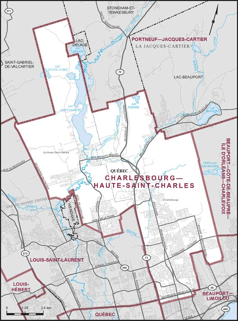 Charlesbourg haute saint charles coin des cartes for Arpidrome charlesbourg piscine